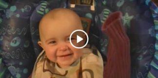 Как это прекрасно! Малыш тронут песней мамы...